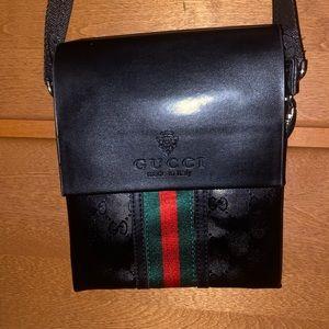 Authentic Women's Gucci ShoulderBag